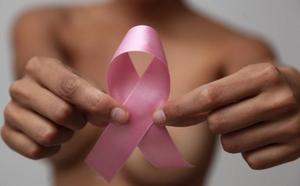 Cantabria DModa se llena de motivos en la lucha contra el cáncer de mama