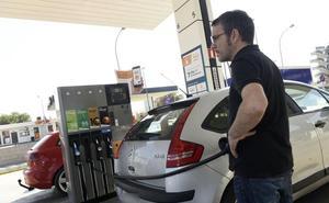 El impacto de las cuentas de Sánchez e Iglesias mantiene en vilo a Cantabria