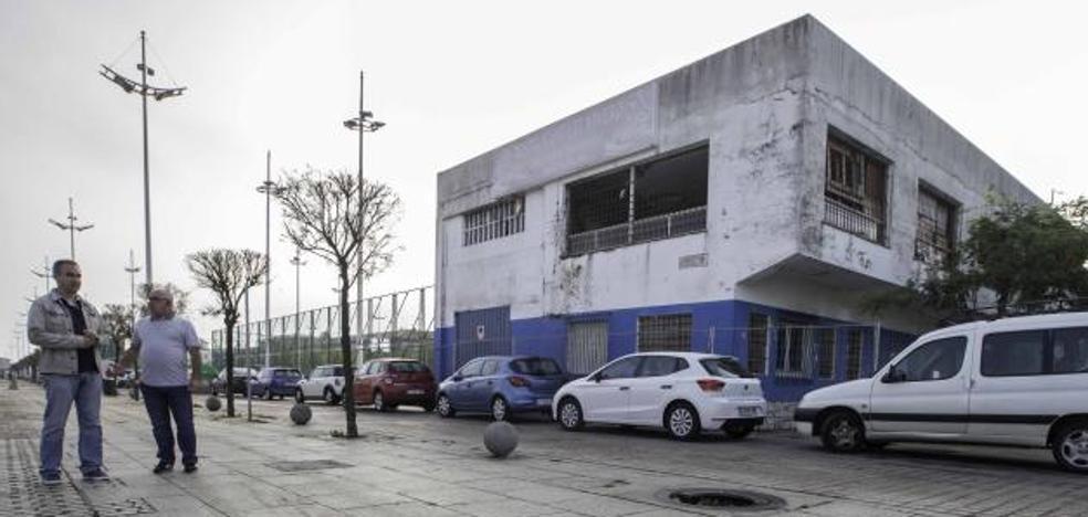 La nave de 'El Vivero' será demolida para ampliar el parque del Barrio Pesquero