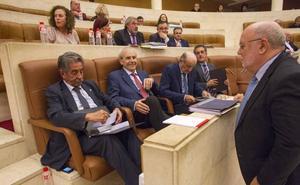 El PRC rompe la sintonía de voto con el PSOE para protestar por el futuro impuesto al diésel