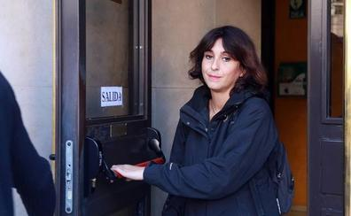 Juana Rivas entrega a sus hijos a su expareja en Italia