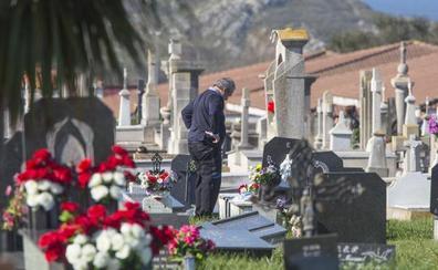 El cementerio de Ciriego ampliará los servicios religiosos por Todos los Santos
