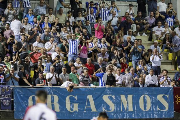 Los aficionados blanquiazules tendrán fútbol en horario matinal en la próxima jornada/Javier Rosendo