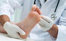 Sanidad extenderá la atención podológica a todas las áreas de Cantabria