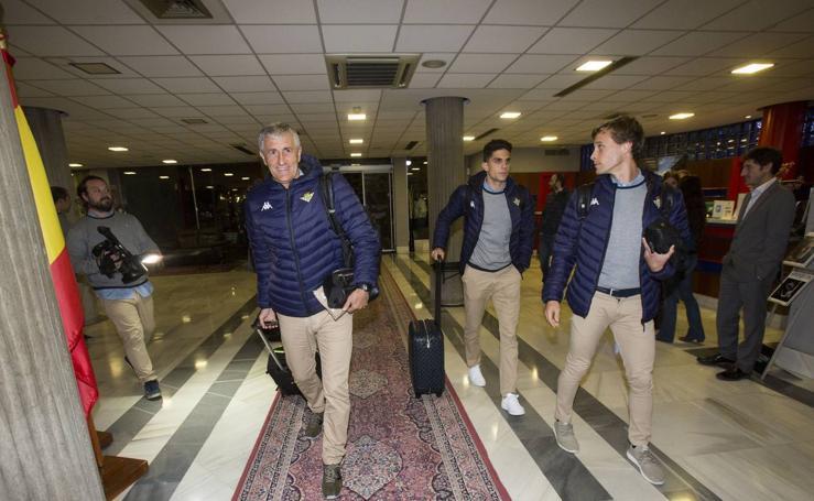El Betis llega a Santander