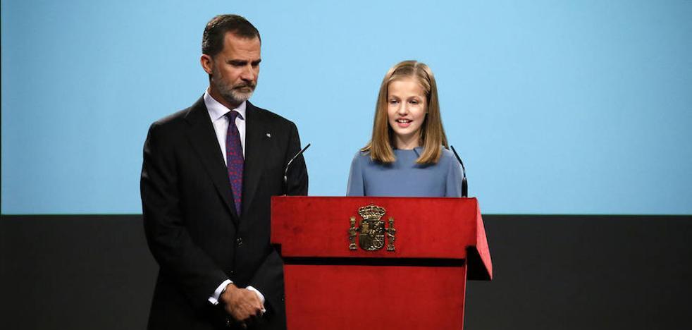 La princesa Leonor añade a su currículo la lectura de la Constitución