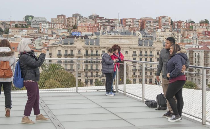 Turistas en Santander en el puente de Todos los Santos