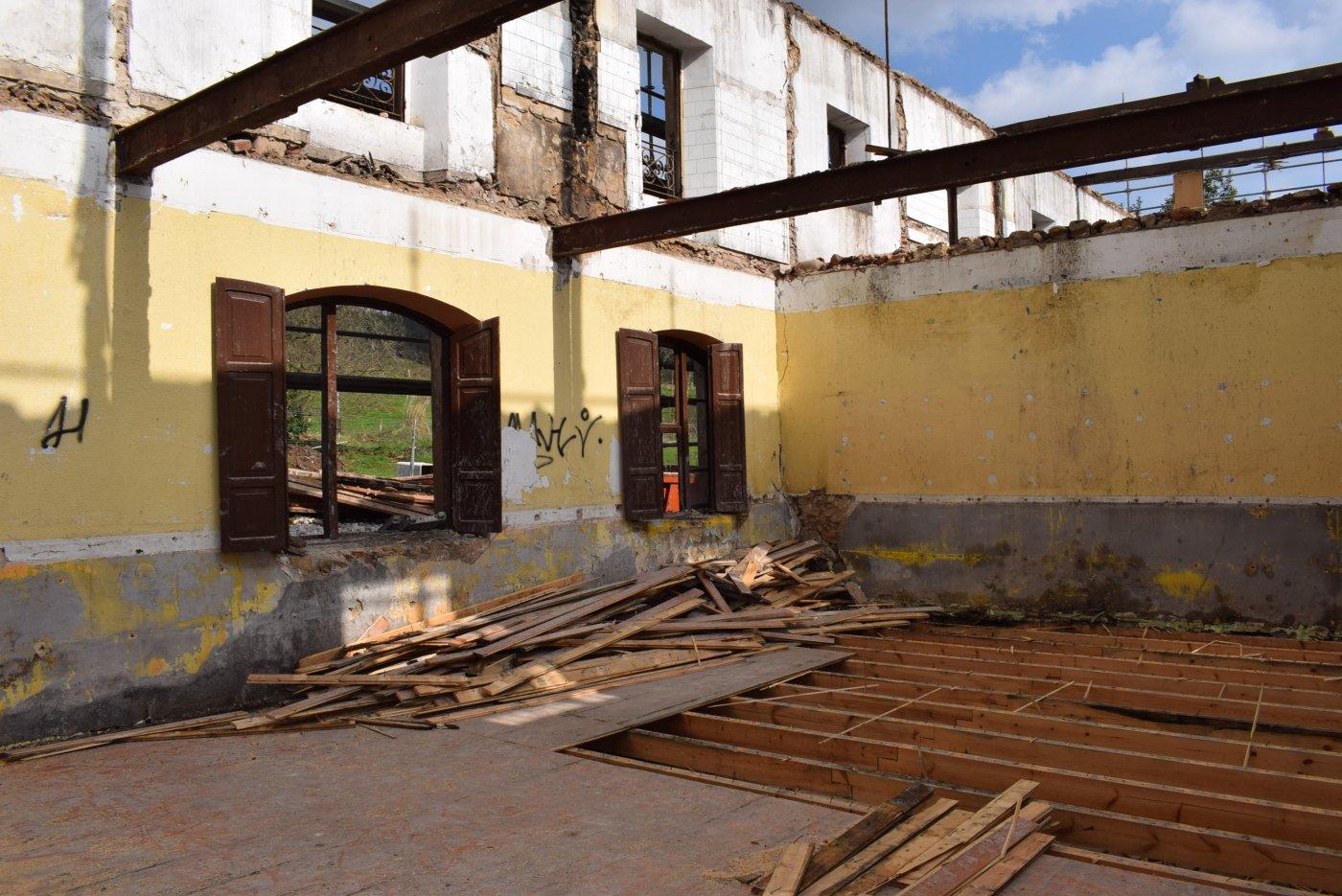 Piélagos convertirá las escuelas de Vioño en un centro de formación
