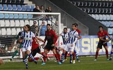 La Gimnástica gana al Mirandés tras hacer bueno un gol de Camus de penalti
