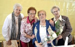 Más de 200 personas asistieron al tradicional homenaje a los abuelos