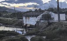 Los peatones volverán a pasear por el puente sobre la ría de Solía a final de mes