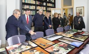 El periodista Armando Arconada dona un millar de objetos al Centro de Estudios de Polanco