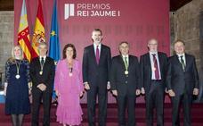 Íñigo Losada recibe el Premio Jaume I de Protección del Medio Ambiente de manos del Rey Felipe VI