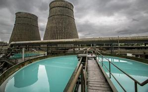 Revilla garantiza un «respaldo total» al plan de transición energética de Solvay