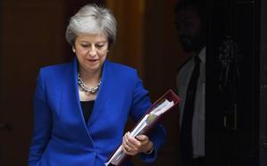 May prepara a sus ministros para un acuerdo con Bruselas