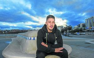 Enzo Lombardo: «Me parezco al míster; soy muy impulsivo y siempre quiero ganar»