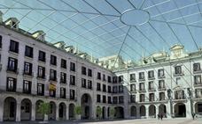 El Ayuntamiento explora la posibilidad de ponerle cubierta a la Plaza Porticada