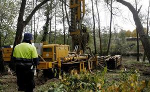 Comienza la obra para instalar la nueva pasarela sobre el río a la altura de Aspla