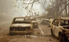 Los incendios más destructivos de la historia de California dejan ya 42 muertos