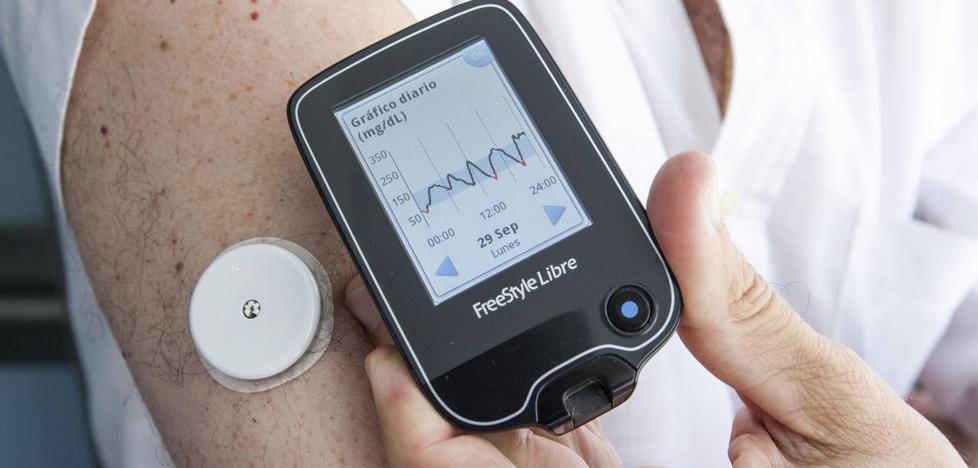 Sanidad pagará el sensor que evita los pinchazos a todos los adultos con diabetes tipo 1
