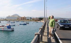 Obras Públicas construirá una pasarela peatonal en el tramo de 'los puentes' de acceso a Santoña