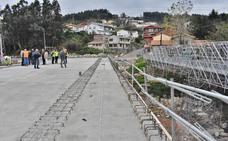 La pasarela peatonal sobre el río Besaya en Los Corrales será historia la semana que viene