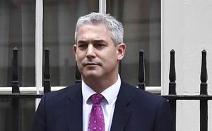 May nombra un nuevo ministro para el 'brexit' pero será ella quien negocie con la UE