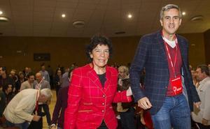 Celaá llama al PSOE a «cerrar filas» con Zuloaga «para ganar las elecciones autonómicas»