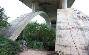 Arranca el juicio por la muerte de la joven que cayó cuando hacía 'puenting' en un viaducto de la A-8