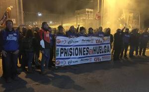 La huelga de prisiones deja El Dueso con «10 funcionarios para 450 presos»