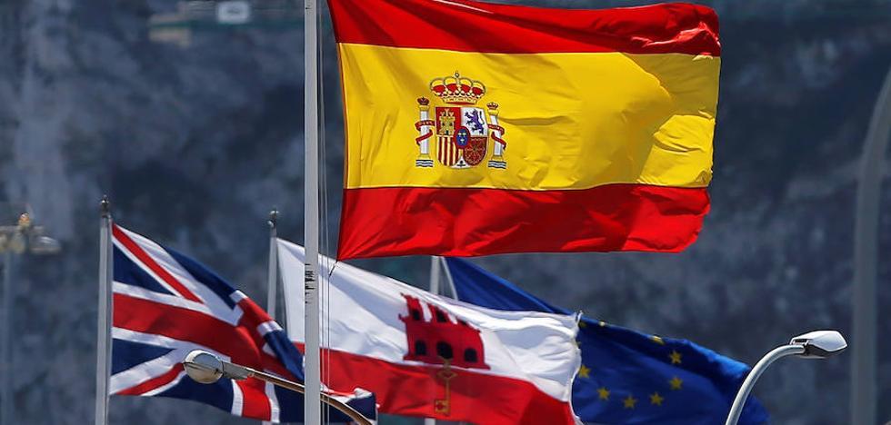 La Moncloa redobla la presión por Gibraltar ante el encuentro hoy de May con Juncker en Bruselas