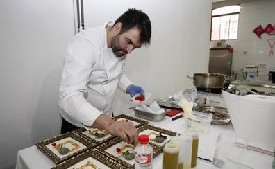 Borja Moncalvillo gana el concurso de cocineros en la clausura de Cocinart