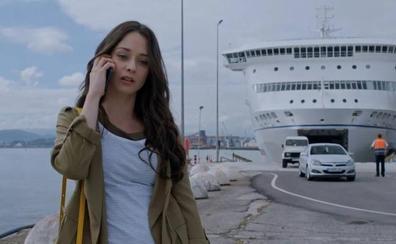Un billete del ferry de Santander con 'La Verdad' como destino