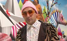 El artista Okuda tendrá desde hoy su 'Estrella de la Fama' en la calle Tetuán