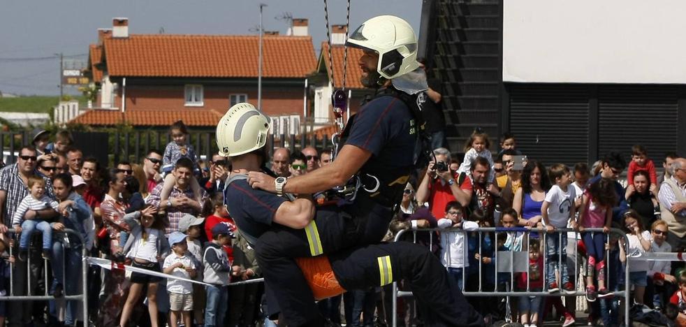 Noventa aspirantes a tres plazas de bombero en Santander