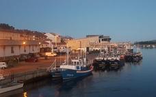 Los pescadores critican la deficiente iluminación del puerto de San Vicente de la Barquera