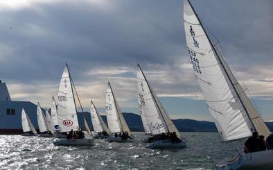 De la Pedraja se abona a ganar el 'Mundialito' de J80