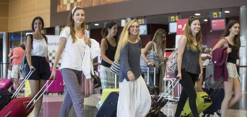 El Seve Ballesteros vuelve a superar el millón de pasajeros seis años después