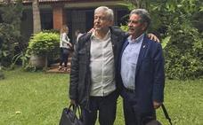 López Obrador da la bienvenida a Revilla en México