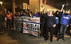 Los trabajadores de El Dueso anuncian más protestas y una posible huelga general en enero