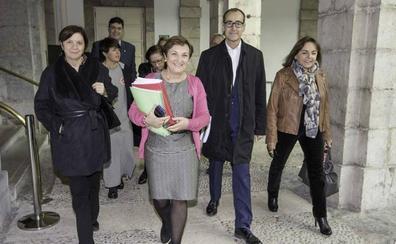 El PP instará a Revilla en el Parlamento a que cese a la consejera de Sanidad