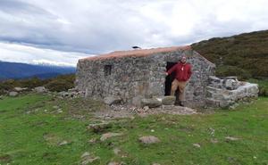 San Felices recupera sus viejos refugios de montaña