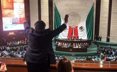 López Obrador agradece la presencia de Revilla en su investidura