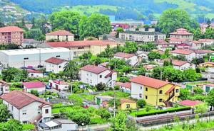El parque inmobiliario de Los Corrales es más barato y moderno que la media