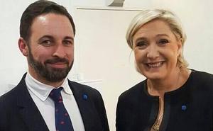 Los mensajes que Vox calca a la ultraderecha europea
