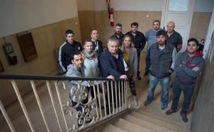 Los trabajadores de Sniace se plantean retomar las movilizaciones