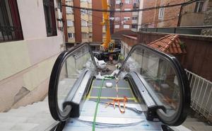 Así son las tripas de las escaleras mecánicas del Gurugú