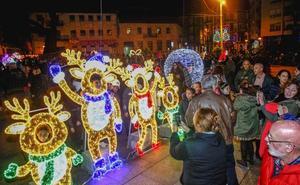Los escolares iluminan la Navidad