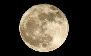 La Luna registra ocho impactos de meteoroides por hora