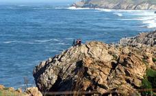 Fallece un pescador de 53 años de edad tras accidentarse en la costa de Ubiarco
